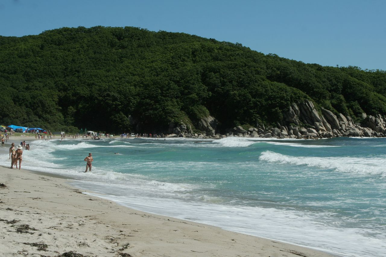 Пляж песчаный приморский край фото
